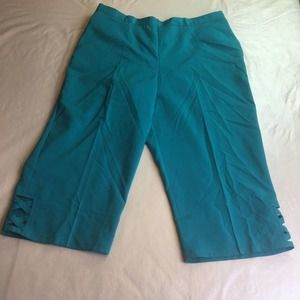 Alfred Dunner Classic Fit Capris Blue 14P